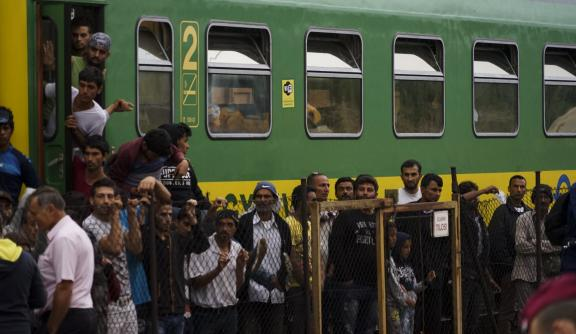 Syrian refugees strike in front of Budapest Keleti railway station